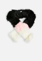 Missguided - Faux fur scarf