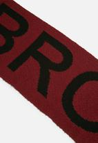 Missguided - Brooklyn slogan scarf
