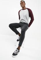basicthread - Skinny Cropped Jeans