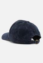 New Look - Suedette curved peak cap