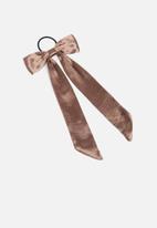 New Look - Oversized satin bow hair tie