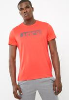 Asics - Essential diagonal training tee