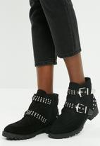 Missguided - Double buckle cleated sole biker boot