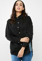 Missguided - Side stripe Tokyo over sized denim shirt