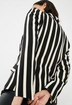 Missguided - Stripe drape front blazer