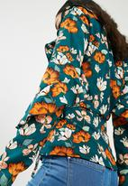 Missguided - Floral wrap ruffle tie front blouse