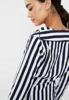 Missguided - Stripe twist shift dress