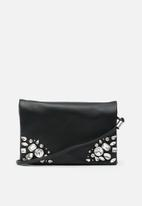 New Look - Esther embellished xbody clutch