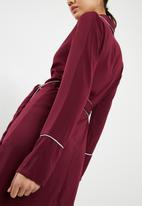 Missguided - Belted collar wrap shift dress