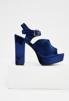 dailyfriday - Velvet platform heel - navy