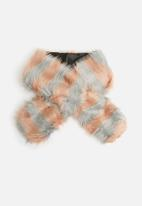 Missguided - Stripped faux fur scarf