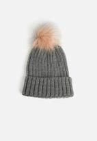 Missguided - Single bobble beanie