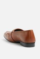 basicthread - Sheldon leather tassel loafers