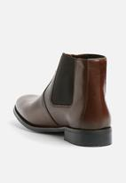 basicthread - Cameron leather chelsea boot
