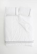 Sheraton - Eclipse embroidered duvet set