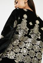 Missguided - Sequin embellished velvet collarless jacket