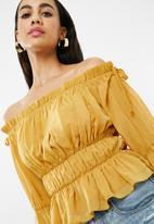 Missguided - Gathered bardot shirred waist top - mustard