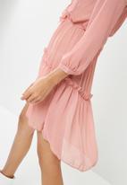 Missguided - Chiffon frill detail long sleeve dress - pink