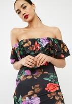 Missguided - Floral print frill detail bardot midi dress - black