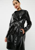 Missguided - Vinyl trench coat