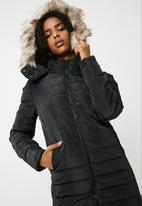 Jacqueline de Yong - Lash long faux fur hood coat
