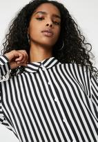 dailyfriday - Oversize stripe shirt - black & white
