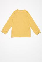 name it - Daly slim top - yellow