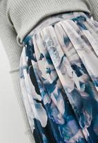 Vero Moda - Lago floral mesh midi skirt - white & blue