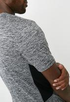 New Look - Grindle cut and sew tee