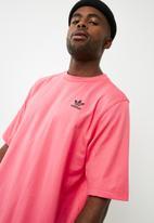 adidas Originals - Back print tee