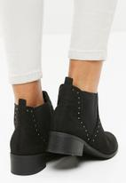 New Look - Beat studded Chelsea boot - black