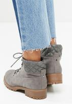 New Look - Quilted worker boot - grey
