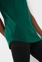 basicthread - Longline curved hem tee 3 pack