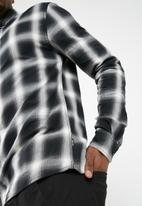 Only & Sons - Varly checked shirt