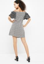 New Look - Tier sleeve bardot dress