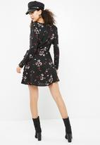 New Look - Sonia floral tassel wrap dress