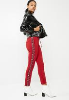 Missguided - Double side stripe jogger - red