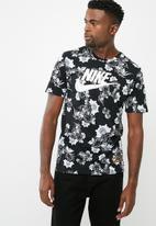 Nike - Nike sportswear concept tee