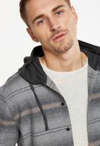 Cotton On - Rugged hooded shirt