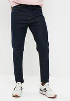 New Look - Rinse tapered jeans
