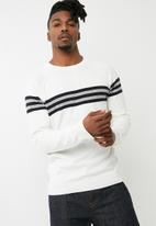 New Look - Sports stripe crew knit