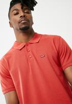 Levi's® -  House Mark Polo- crimson