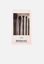 Cotton On - Large brush set