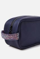 Cotton On - Sleepover cosmetic case