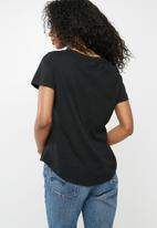 Cotton On - The deep v-neck tee