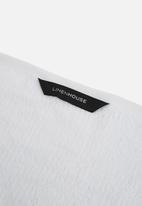 Linen House - Reed guest hand towel - white