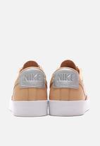 Nike - Blazer Low SE Premium
