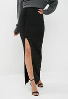 Missguided - Slinky ruched maxi skirt - black