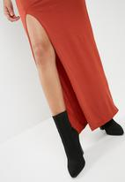 Missguided - Slinky ruched side maxi skirt - orange