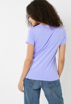 Converse - Palm print short sleeve crew tee - purple